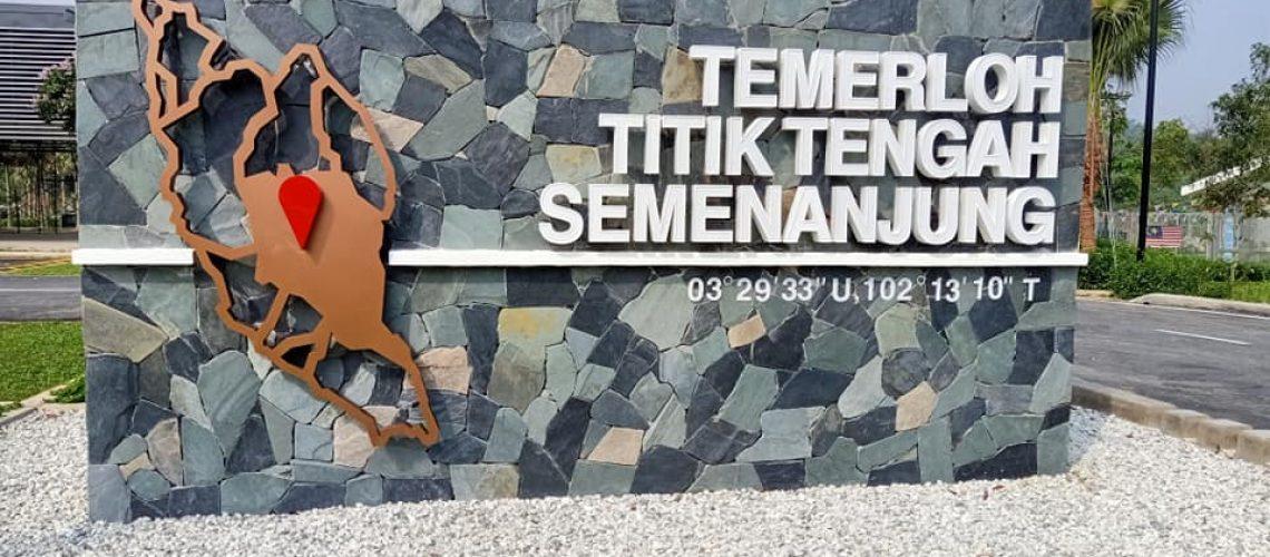 TITIK TENGAH SEMENANJUNG